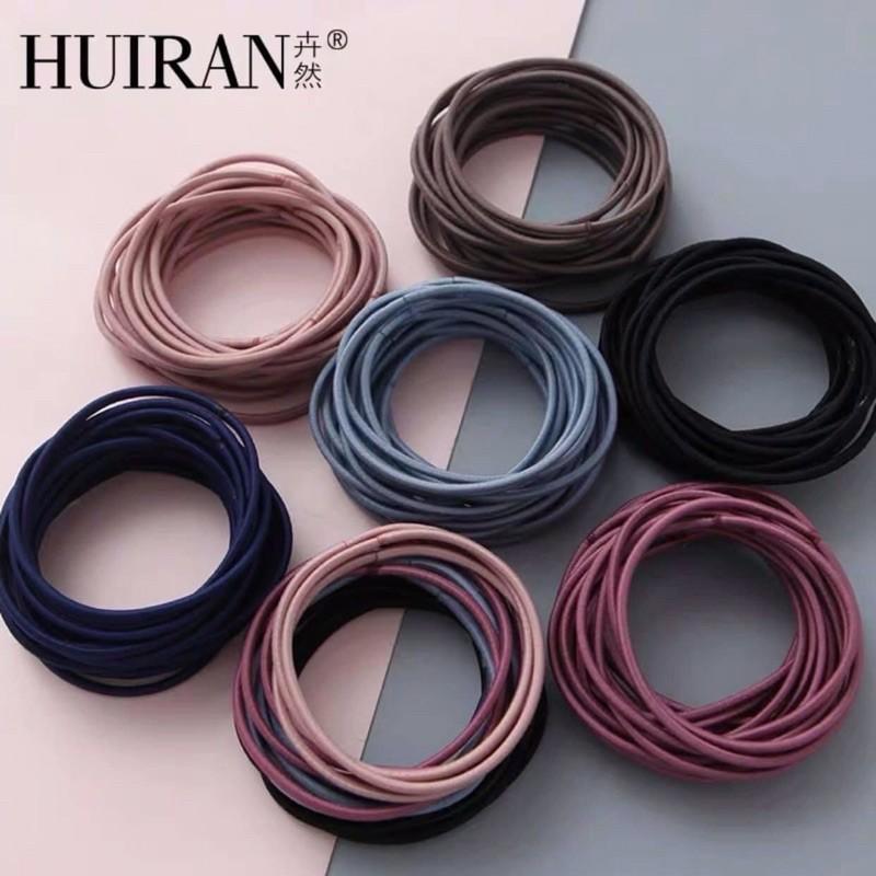 Nếu bạn yêu thích phong cách đơn giản thì Huiran có rất nhiều mẫu đáp ứng nhu cầu này